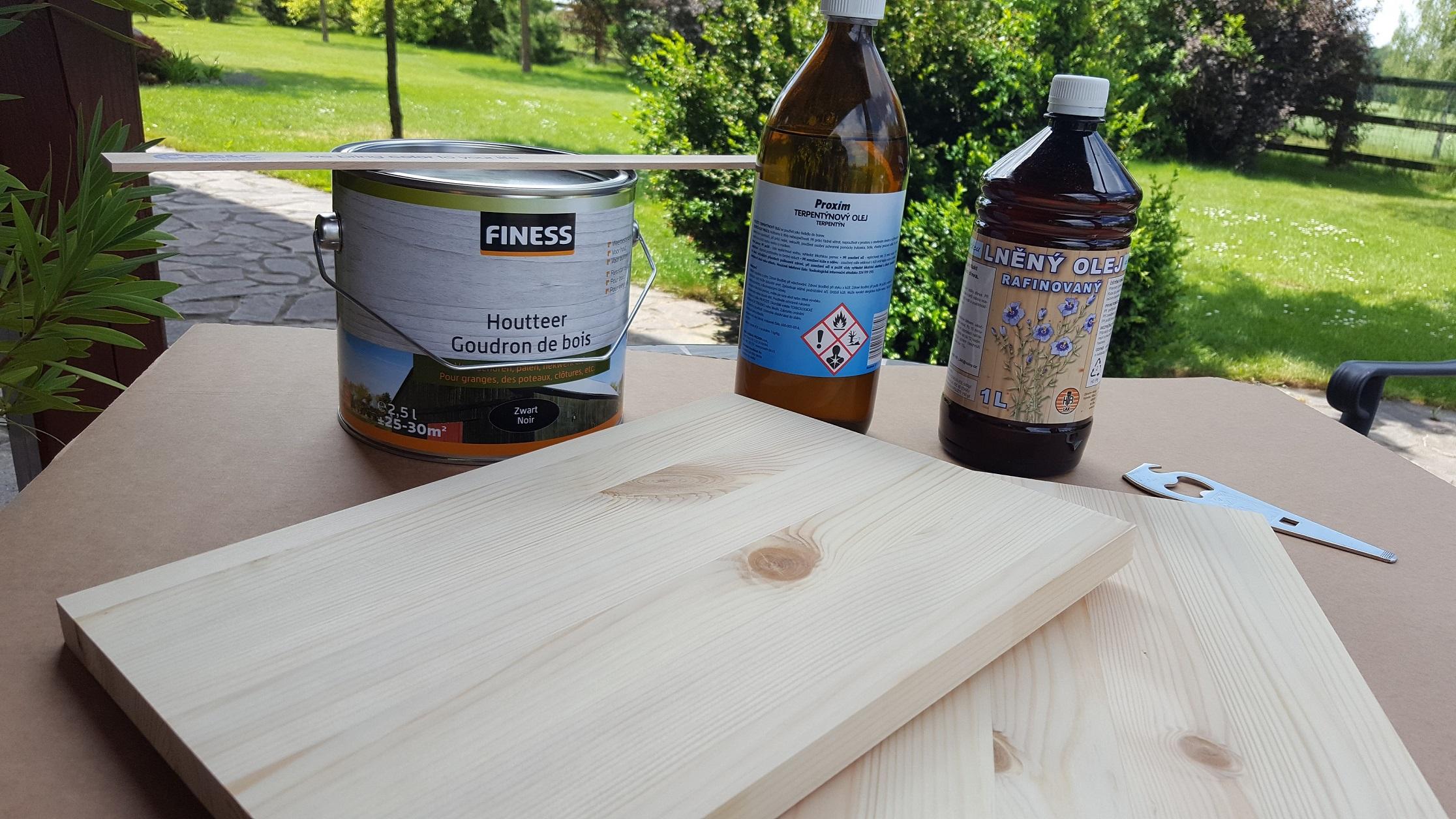 Tradiční ochrana dřeva pomocí dřevního téru